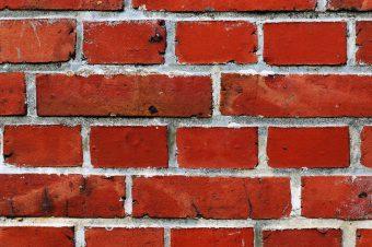 Fassade mit WDVS Mauerwerkssperre – Ihre Baufirma in Halle (Saale)