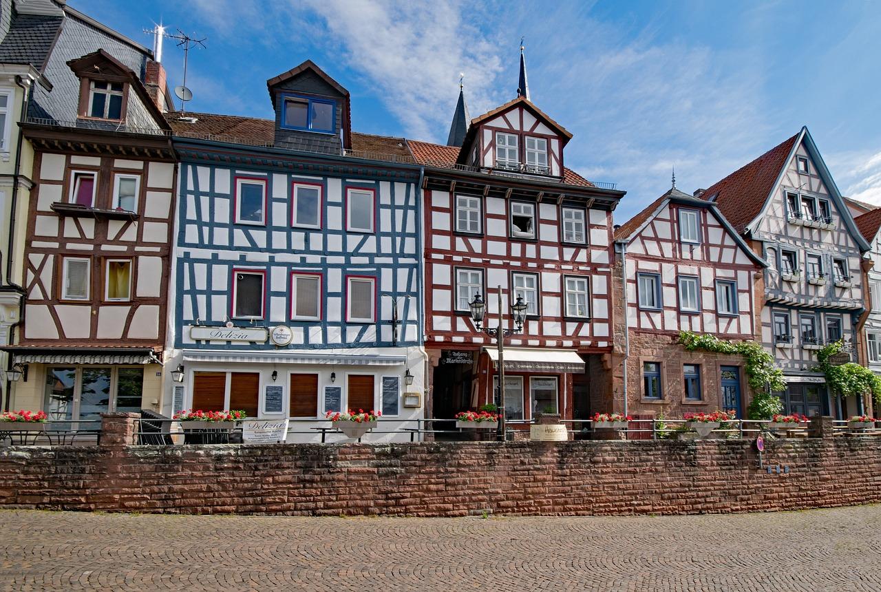 Altbausanierung Halle - Verputzen, Mauerwerksarbeiten, energetische Sanierung ...