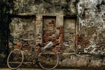 Mauerwerksanierung – So bekämpfen Sie feuchte Wände – Termin Bau Halle
