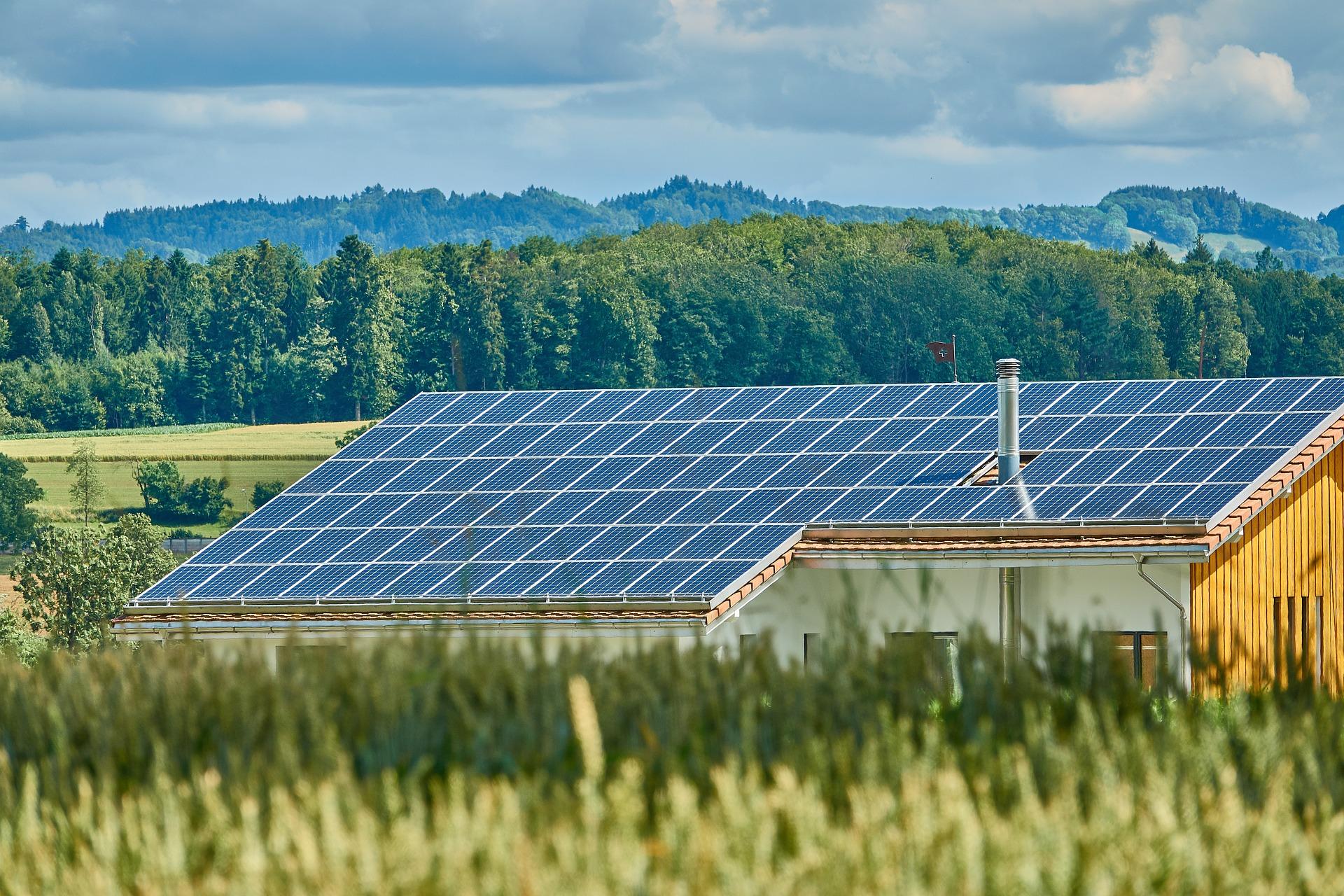 Solarthermoanlagen - energieeffizient Sanieren - Wärmegewinnung aus erneuerbaren Energien