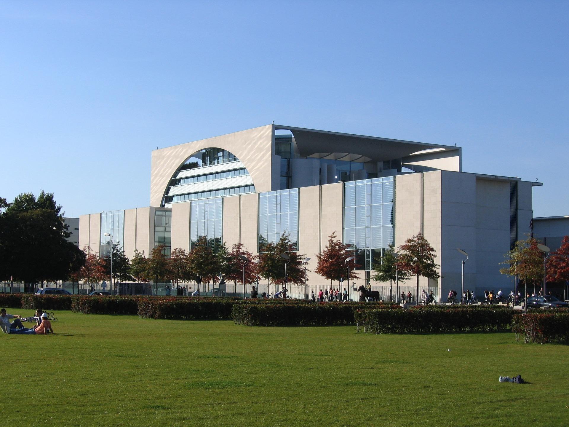 Fassadenverkleidungen aus Faserzementplatten - Fassadensanierung in Halle, Leipzig und Umgebung