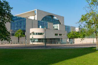 Fassadenverkleidungen aus Faserzementplatten – Fassadensanierung in Halle, Leipzig und Umgebung